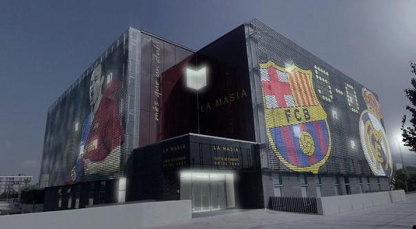 Dois painéis de LED gigantes serão instalados na fachada da Escola do Barcelona FC