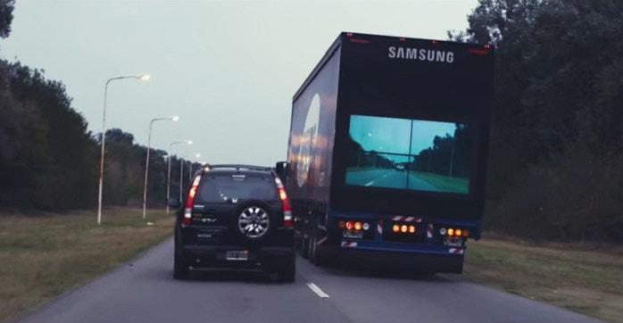 Campanha da Samsung utiliza telas de LED para salvar vidas